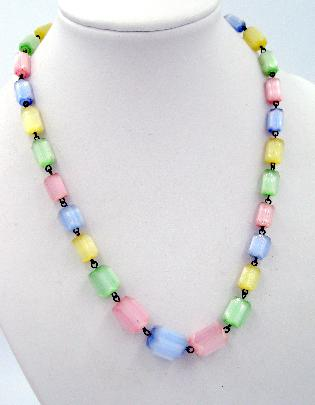 Lovely Vintage Pastel Colors Graduated Hand Painted Beads Necklace